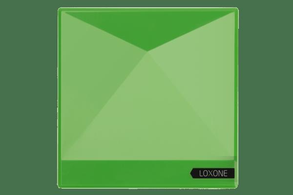 Der Loxone Miniserver Go ist überall platzierbar und ermöglicht die einfache Steuerung und intelligente Automatisierung von Projekten aller Art